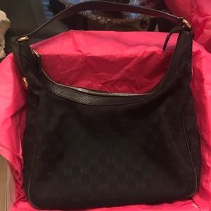 Authentic Gucci Purse Used and in fair condition